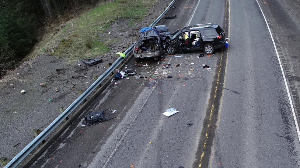 Three-vehicle crash on Hwy 26 ends in two fatalities | KMTR