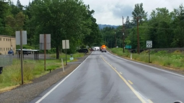 Fatal crash closes Hwy 99 north of Cottage Grove | KMTR